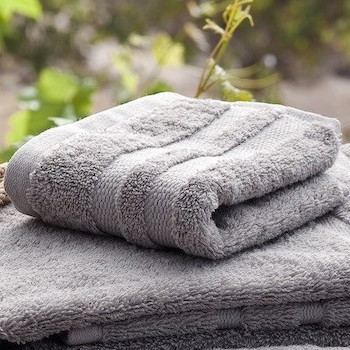 Face Towel Cassis pearl grey