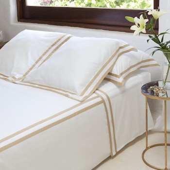 Tailored European pillowcase white & honey Formentera