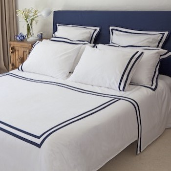 Super king sheet set white & navy Formentera