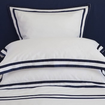 Tailored king pillowcase white & navy Formentera