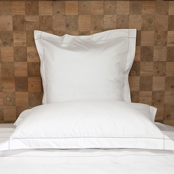Tailored standard pillowcase white & caramel Tremiti