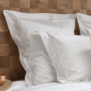 Tailored Euro pillowcase white & caramel Tremiti