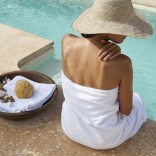CASSIS_Towels_DEIA_Living_white_pool